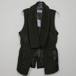BKE Fly Away Canvas Green Womens Vest Size M